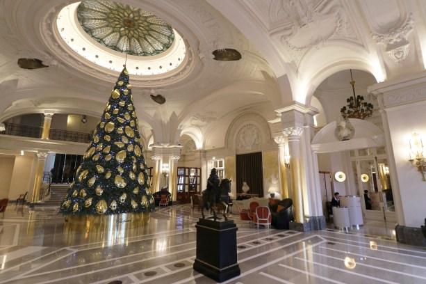 HP-Lobby-Chopard-Christmas-Tree-2018-0009