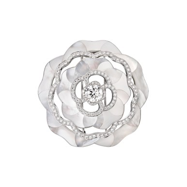 Quintessence-Mother-of-Pearl-brooch-J63685