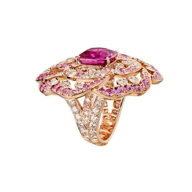 Rose-Intense-cushion-ring-J63656