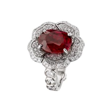 Rouge-Incandescent-ring-J63661