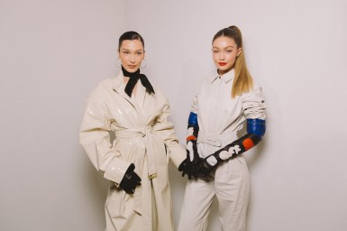 LVMH PRIZE 2019 COCKTAIL - BELLA HADID AND GIGI HADID © VIRGILE GUINARD