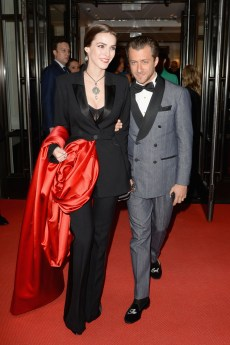 NEW YORK, NEW YORK - MAY 06: Bee Shaffer Carrozzini and Francesco Carrozzini depart The Mark Hotel for the 2019 'Camp: Notes on Fashion' Met Gala on May 06, 2019 in New York City. (Photo by Andrew Toth/Getty Images for The Mark Hotel)