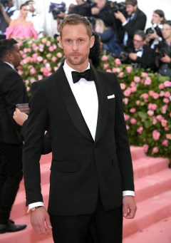 NEW YORK, NEW YORK - MAY 06: Alexander Skarsgård attends The 2019 Met Gala Celebrating Camp: Notes on Fashion at Metropolitan Museum of Art on May 06, 2019 in New York City. (Photo by Neilson Barnard/Getty Images)
