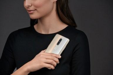 OnePlus 7 Pro-A-Stylized-02