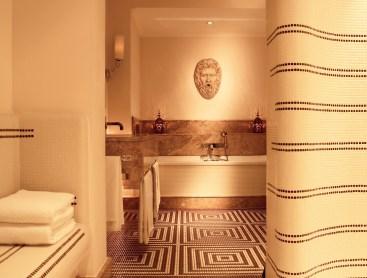 RFH Hotel de Russie - ROOMS Nijinsky Suite Bathroom