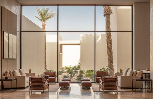 Atoz_Resort_Lobby_Seating_GardenView_0711-HDR