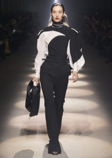 GIVENCHY_WOMEN_RTW_FW20_A4_23_HD