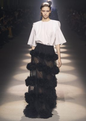 GIVENCHY_WOMEN_RTW_FW20_A4_35_HD