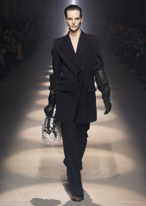 GIVENCHY_WOMEN_RTW_FW20_A4_42_HD