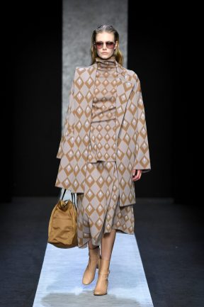 MILAN, ITALY - FEBRUARY 20: A model walks the runway at the Anteprima show during the Milan Fashion Week Fall / Winter 2021 on February 20, 2020 in Milan, Italy. (Photo by Daniele Venturelli/Getty Images for Anteprima)