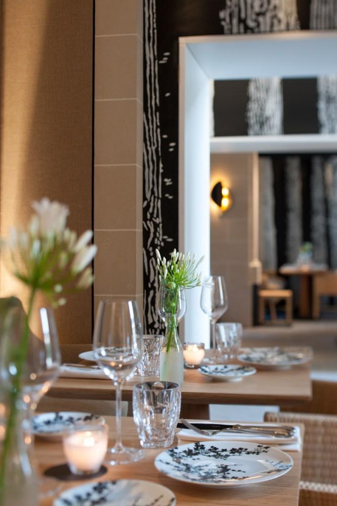 Palais Royal Restaurant Detail 3