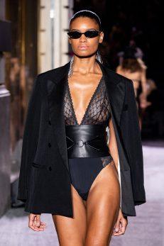 Anaïs Pedri - Défilé Etam Live Show 2020 à Paris le 29 septembre 2020. © Pool Agence Bestimage Runway during the Etam Womenswear Spring/Summer 2021 show as part of Paris Fashion Week on September 29, 2020 in Paris,