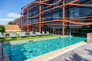 3000X2000_PX_72_DPI-Terrace_Pool @Jonathan Bruneteau AZ5A1307