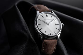 Frederique_Constant_FC-220SS5B6_Detail_1_Photo┬®Eric_Rossier_HD