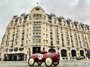 Hotel Lutetia - Pâques - Voiture vue Raspail