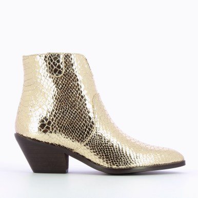 Low cowboy boots + gold snakeskin