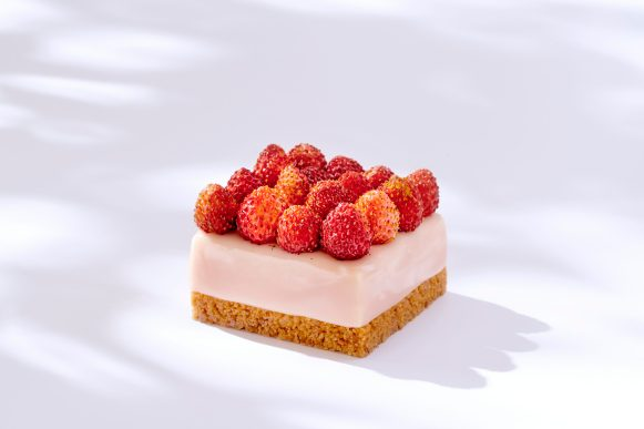 Cheese_cake_fraises des bois - Ritz Paris Le Comptoir - @Bernhard Winkelmann (2)