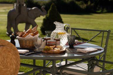Maison-Estournel-Breakfast-Terrace-3@G-Gardette