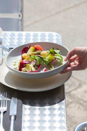 Salade de Fregola - Crudités de potager et pickles - Pesto de Shizo - Mimolette affinée 3