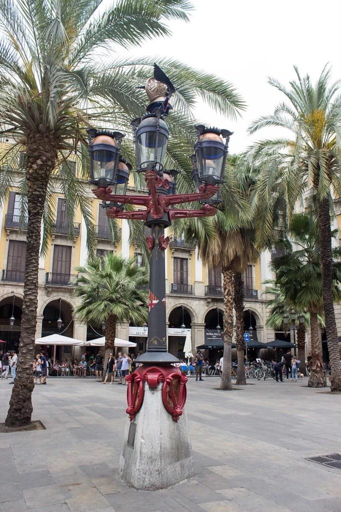 Stroll Through Plaça Reial and Discover Antoni Gaudí's First Works