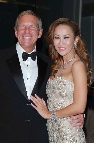 CoCo Lee and Bruce Rockowitz, Group President Li & Fung Limited tie the knot