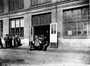 The Volvo Group turn back time in Goteborg by replicating a historic photographic moment. 3