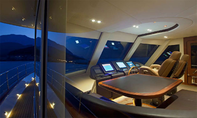 Vicem Yachts With An All New World Premiere The New 107