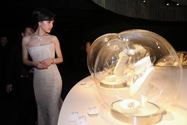 Van Cleef & Arpels unveils the Maison's largest heritage exhibition at the MOCA in Shanghai, China.