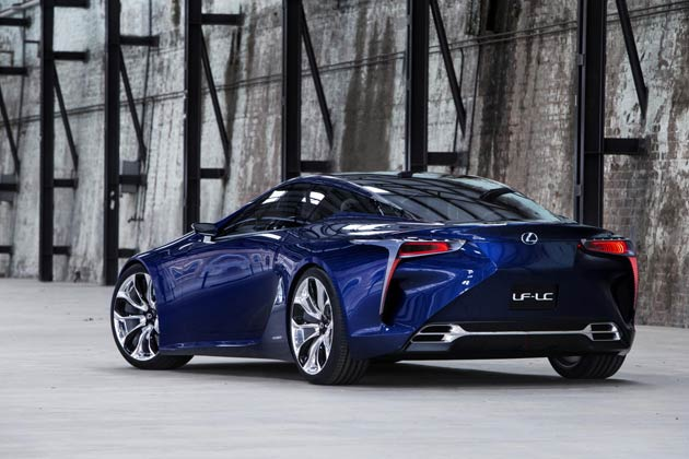 A further development of the model which became the sensation of the Detroit motor show earlier this year, Lexus has revealed a new high performance sports coupe concept at the Australian International Motor Show in Sydney (taking place between 19th – 28th October), named the LF-LC Blue.