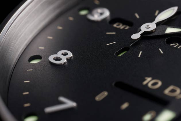 Officine Panerai has presented three new Special Edition Radiomir 10 Days GMT watches which combine the exclusivity of platinum (for the Platino model), white gold (for the Oro Blanco), and red gold (for the Oro Rosso) with the technical performance and sophisticated finish of the P.2003 manufacture movement, which has automatic winding and an unusually long power reserve of ten days.
