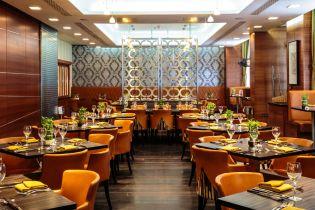 'Umami', the Crowne Plaza London Kensington's in-house eatery