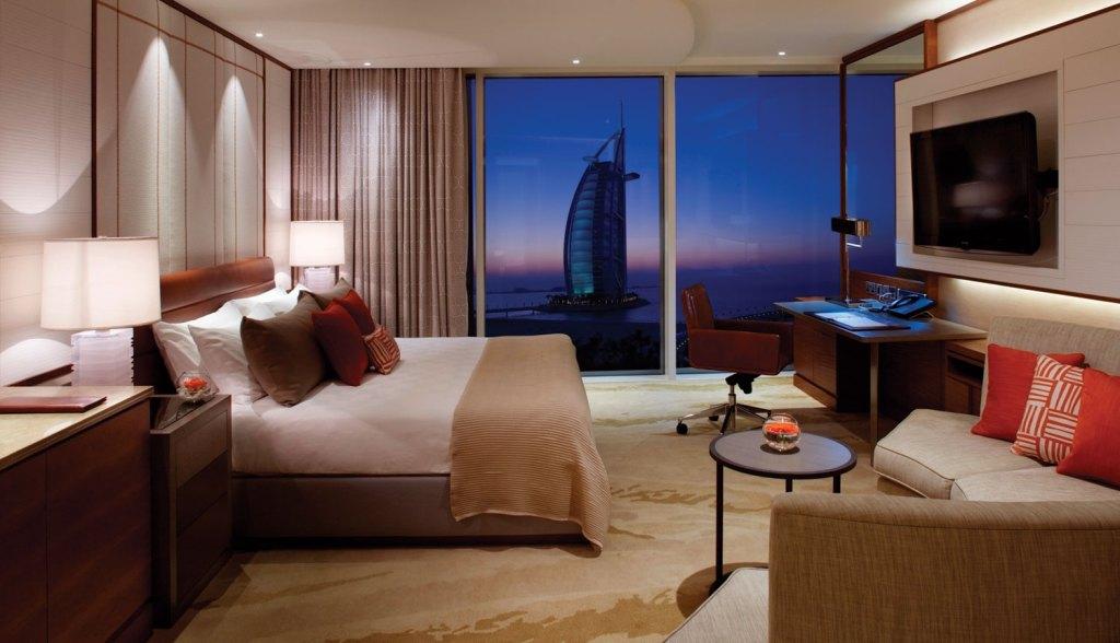 We Experience the Luxury, Glitz, Glamour and Magic of Dubai 7