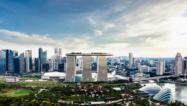 Luxurious Magazine samples some Singaporean luxury at tri-tower Marina Bay Sands