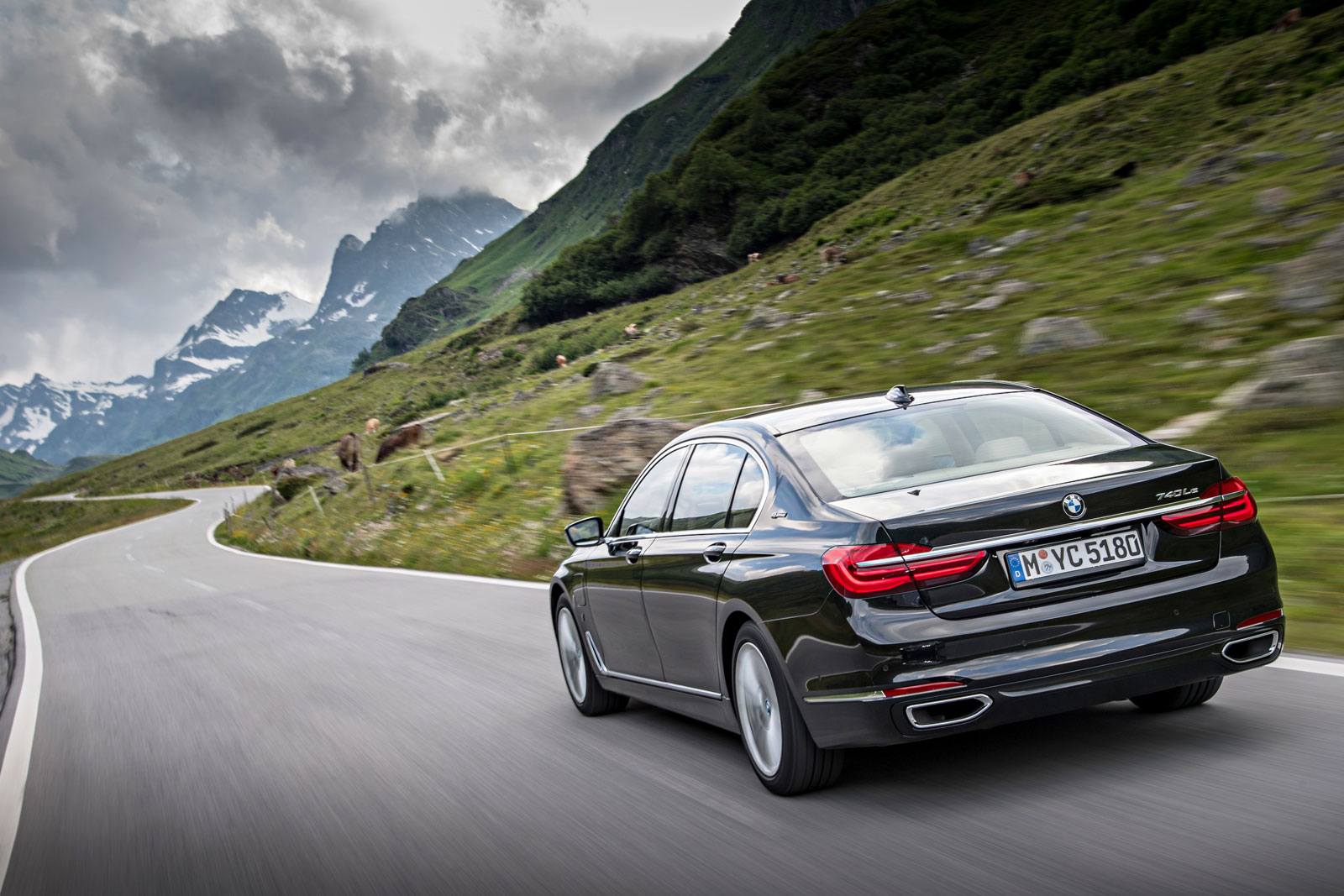BMW i Technology Makes Debut On The New BMW 740e And 740Le xDRIVE 5