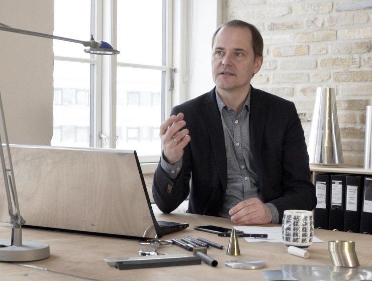Designer Torsten Valeur Praises LG G6 For Its Minimalism & Ergonomics