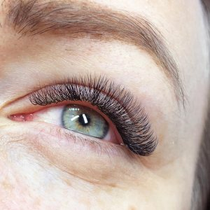 Beauty Treatment Review: Russian Volume Lashes at FATLASH 6