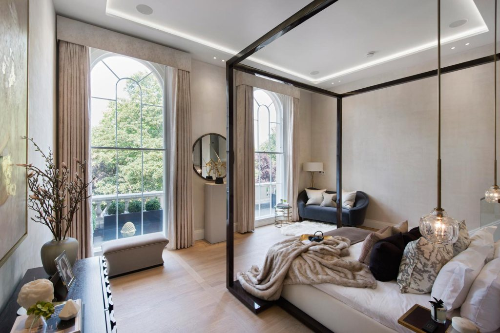 Former Ambassador's Residence for Sale in The Park Crescent, Regent's Park 10