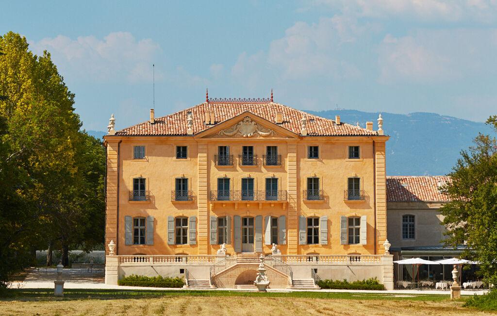 Château de Fonscolombe main building exterior