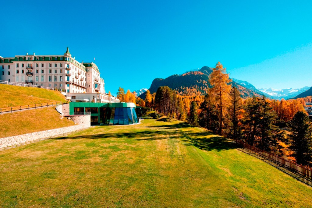 Experience Switzerland's Autumnal Natural Beauty with the Grand Hotel Kronenhof 4