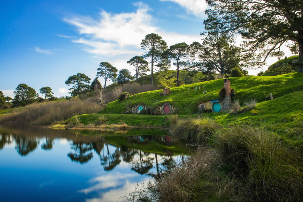 You Can Now Take a Scenic Flight from Auckland to Hobbiton… 4