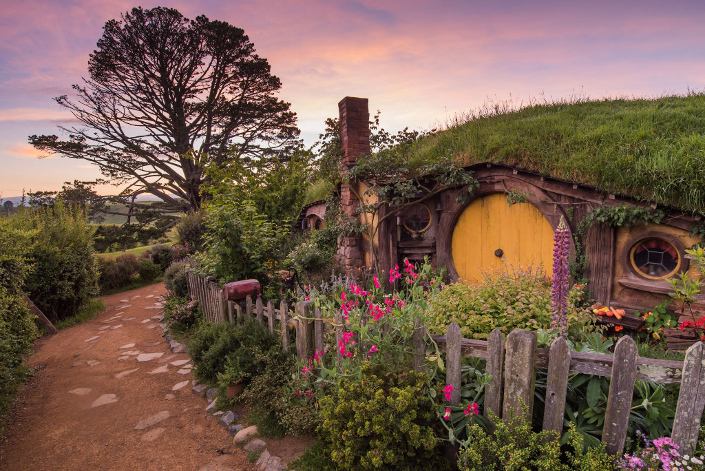 You Can Now Take a Scenic Flight from Auckland to Hobbiton…