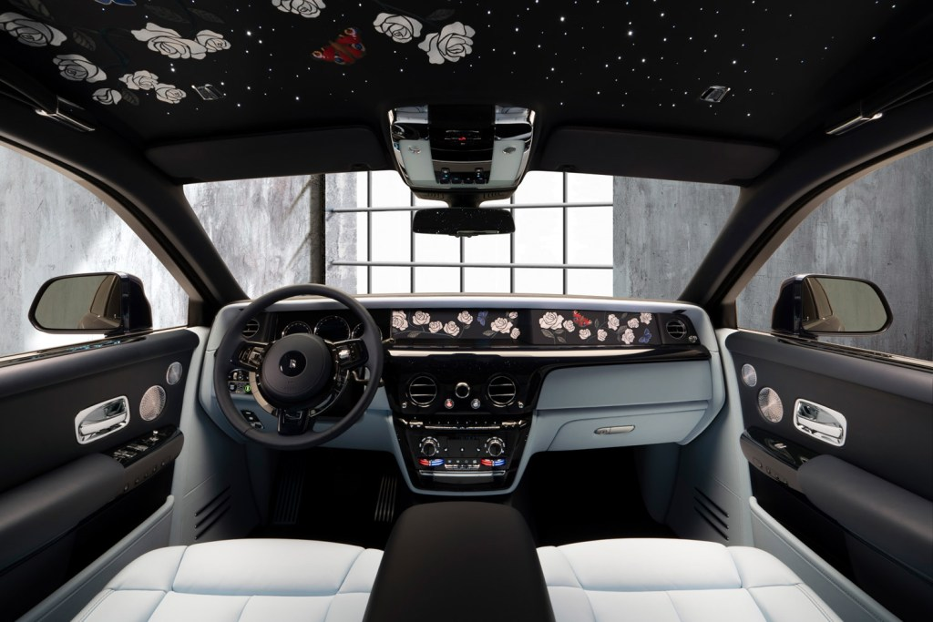 A Rolls-Royce Phantom Commission with One Million Embroidered Stitches 11