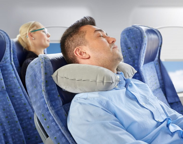 How to Avoid Long-Term Damage to Your Eyes on a Long-Haul Flight