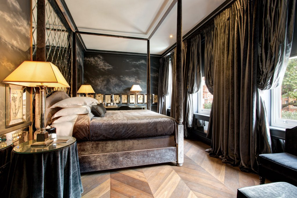 Places To Stay For London, Milan and Paris Fashion Week This February