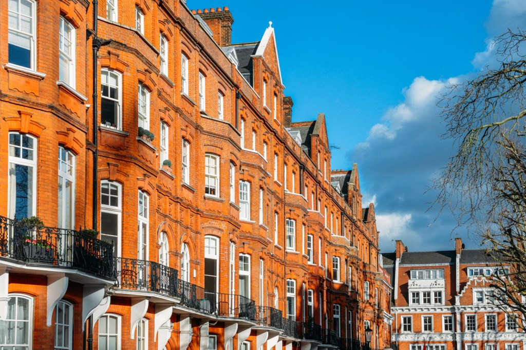 UK House Prices Creep up Across the Board while London Continues to Slow 3
