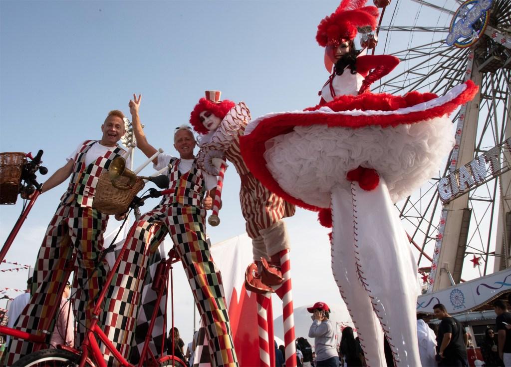 Fun atmosphere at the Formula 1 Gulf Air Bahrain Grand Prix