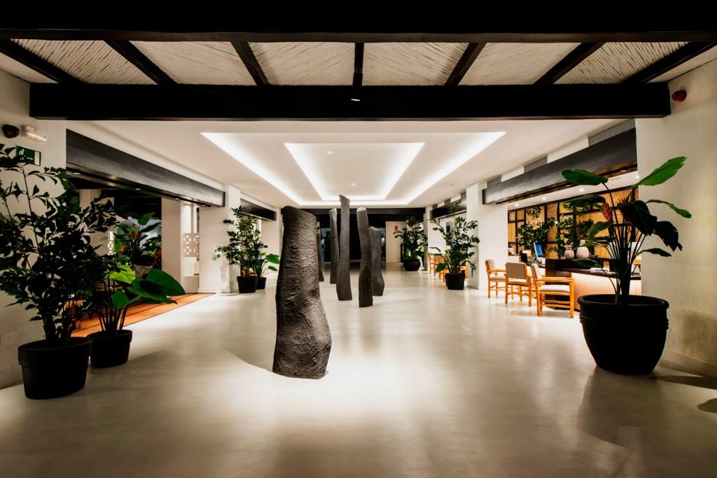 Hotel Jardín Tropical reception lobby