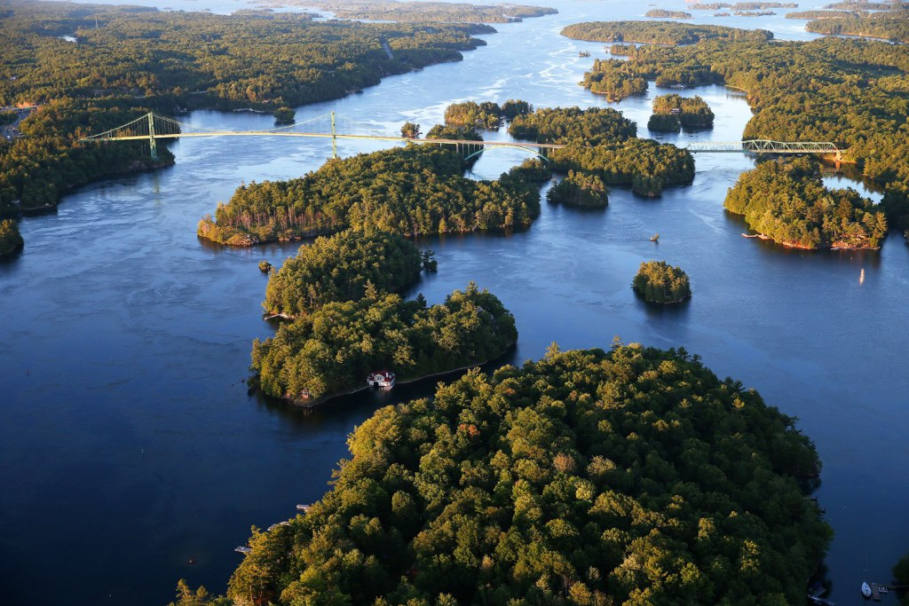 Fly over the 1000 Islands