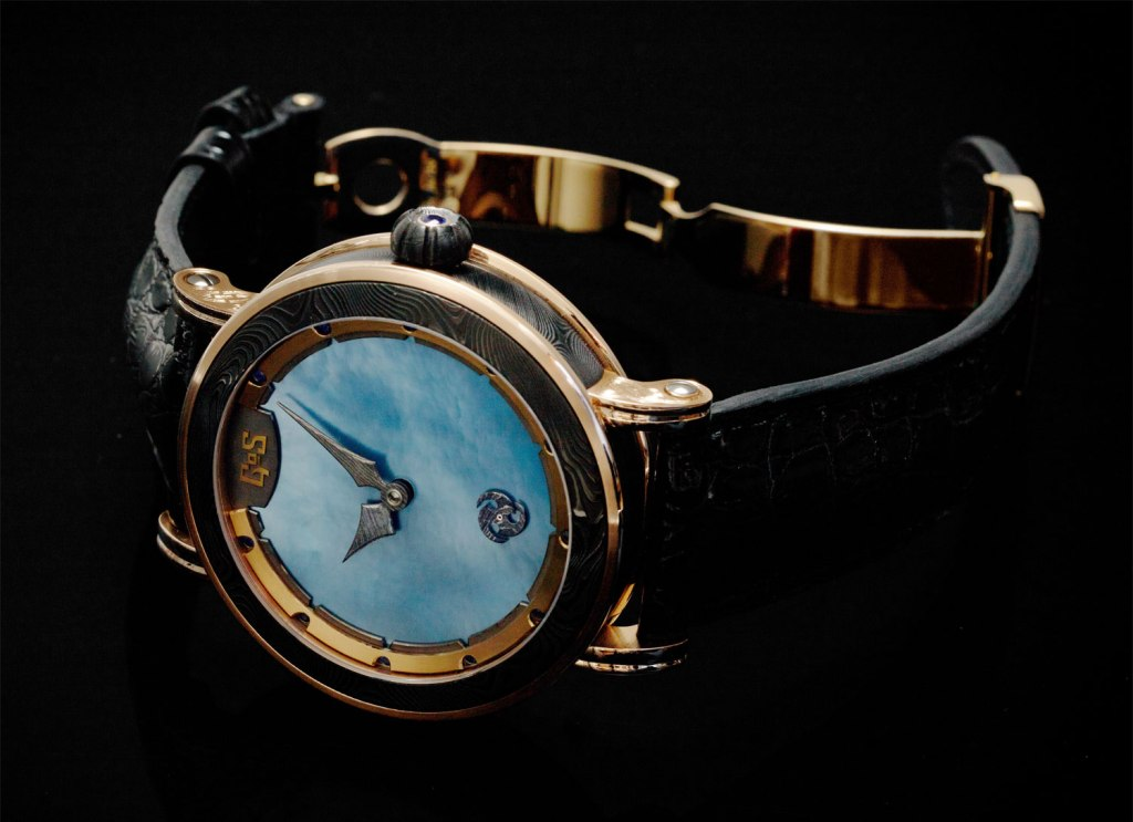 GoS Skadi watch with deployant buckle in 18k gold