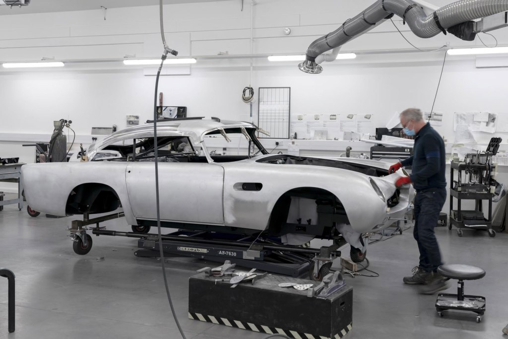 Hand building an Aston Martin DB5 Goldfinger Continuation